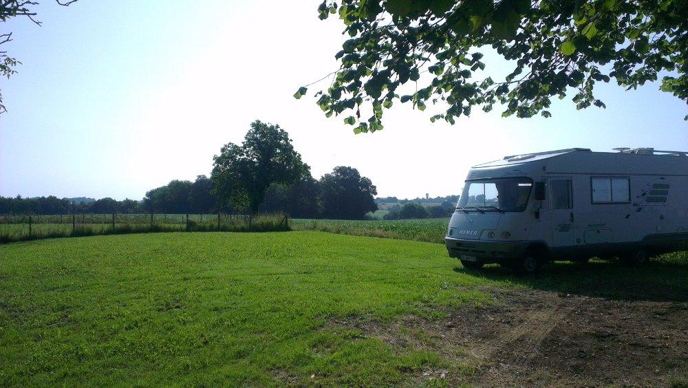 Aire camping-car à Saint-Laurent-Bretagne (64160) - Photo 3